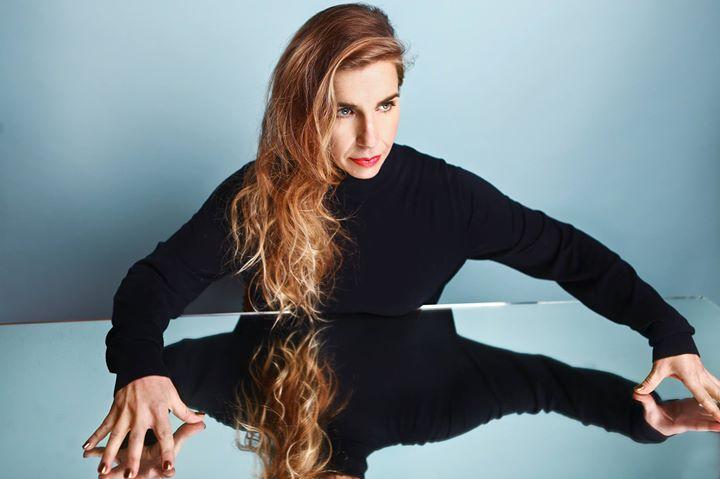 Barbara Carlotti + Pendentif